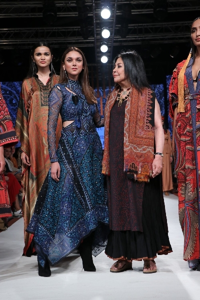 Mumbai Actress Aditi Rao Hydari With Fashion Designer Ritu Kumar On Day 3 Of The Lakme Fashion Week Summer Resort 2020 In Mumbai On Feb 13 2020 Photo Ians